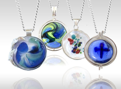 ashes-in-glass-cremation-pendants